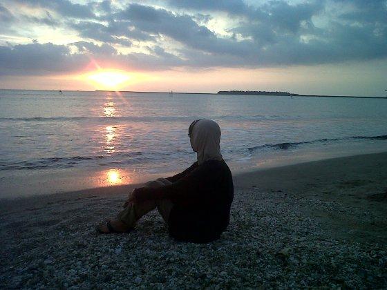 menanti Senja by Pelangi Bahari